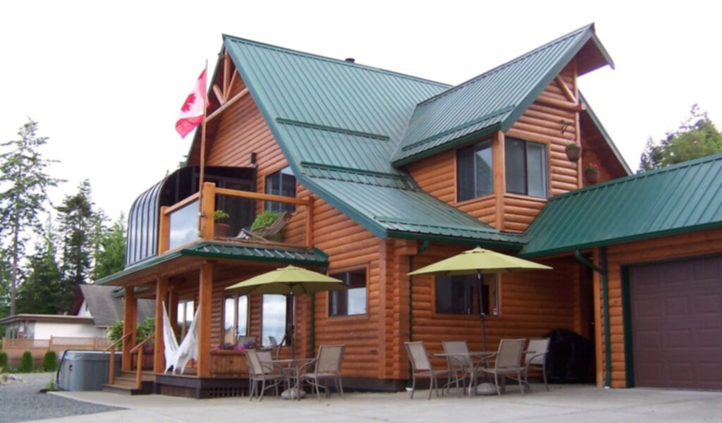 Log Beach House ~ Vacation rentals cabin in parksville vancouver